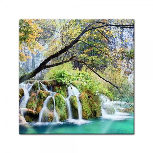 Glasbild - Wasserfall im Herbst