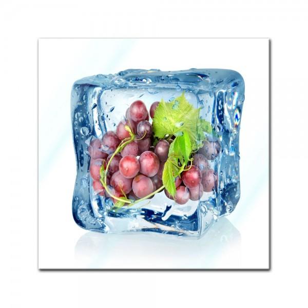 Glasbild - Eiswürfel Weintrauben blau