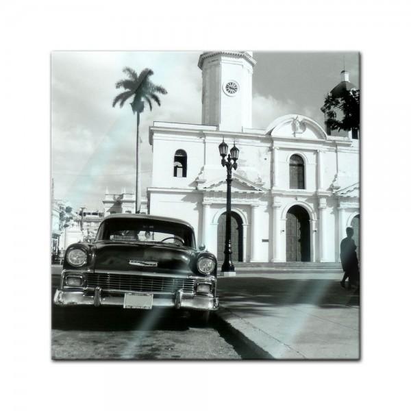 Glasbild - Oldtimer on Kuba