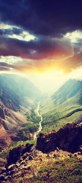 Türtapete selbstklebend Berge mit Sonnenuntergang Vintage 90 x 200 cm Natur Sonne Tal grün Landscha