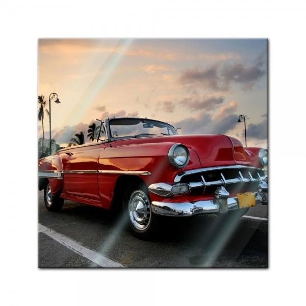 Glasbild - Roter Oldtimer in Havanna