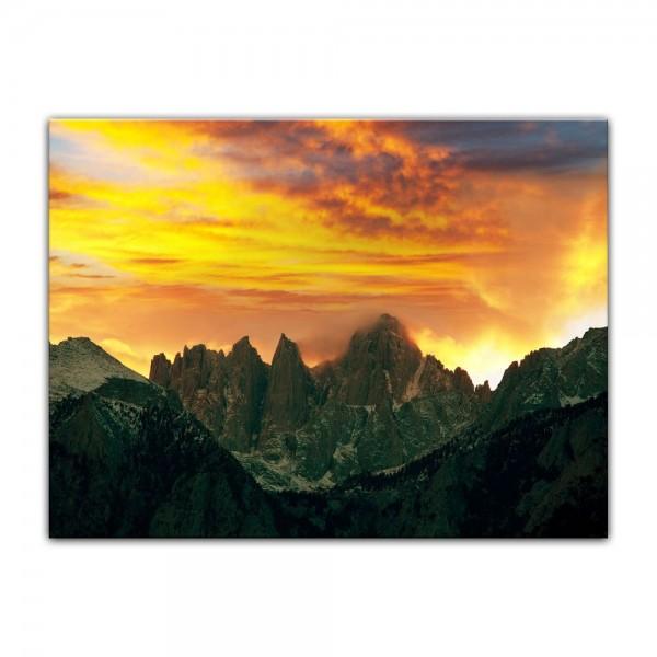 Leinwandbild - Berglandschaft im Sonnenuntergang