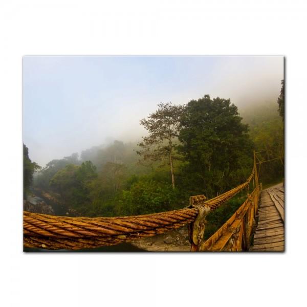 Leinwandbild - Brücke im Nebel - Guatemala