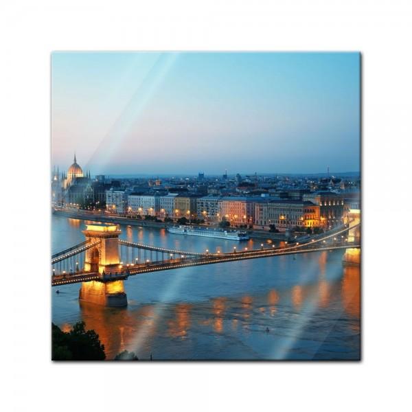 Glasbild - Budapest Skyline bei Nacht