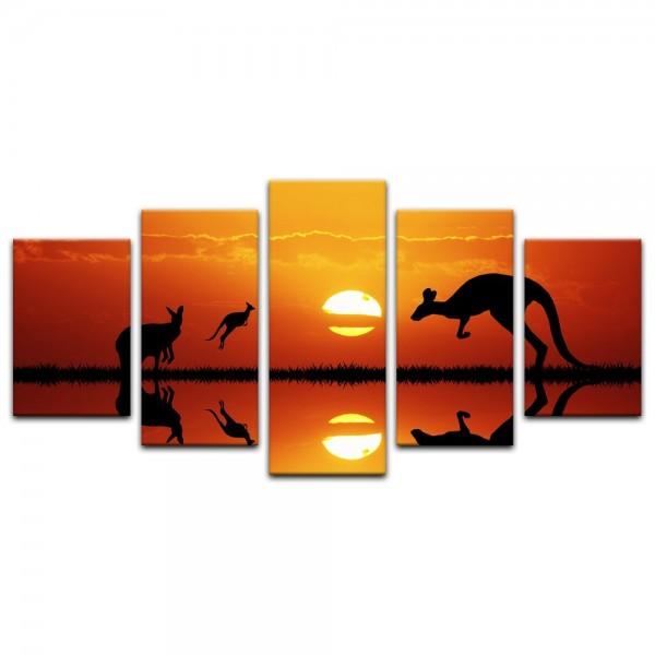 Leinwandbild - Kängurus im Sonnenuntergang
