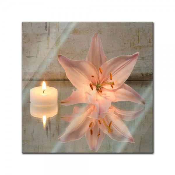 Glasbild - Lilie und Kerze