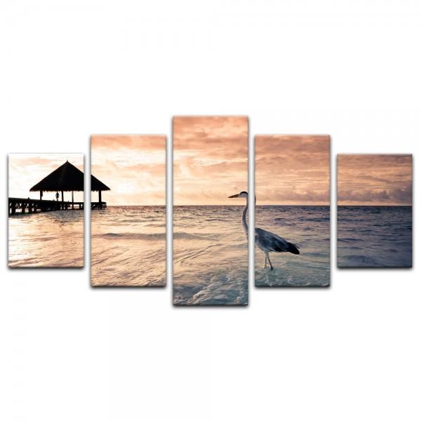 Leinwandbild - Tropischer Strand mit Reiher