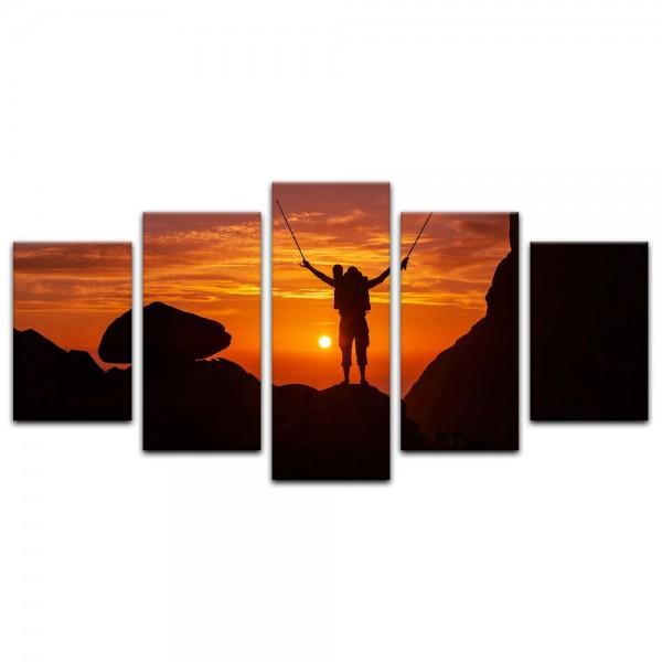 Leinwandbild - Wanderer im Sonnenuntergang III