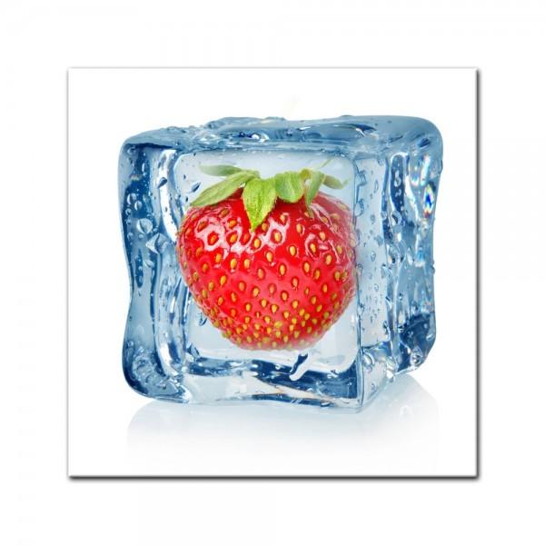 Leinwandbild - Eiswürfel Erdbeere