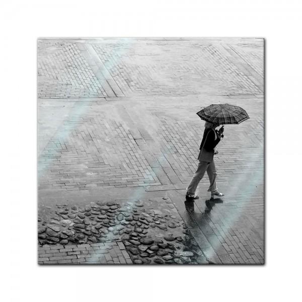 Glasbild - Alone in the rain