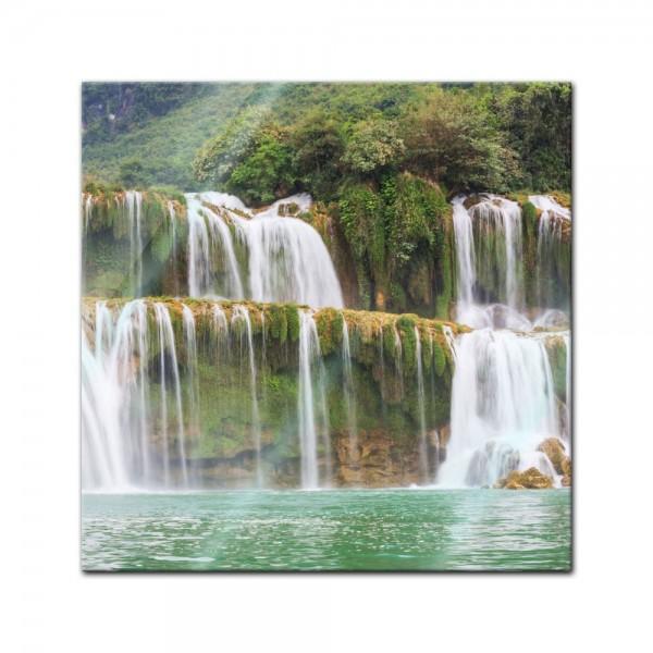 Glasbild - Wasserfall in Vietnam