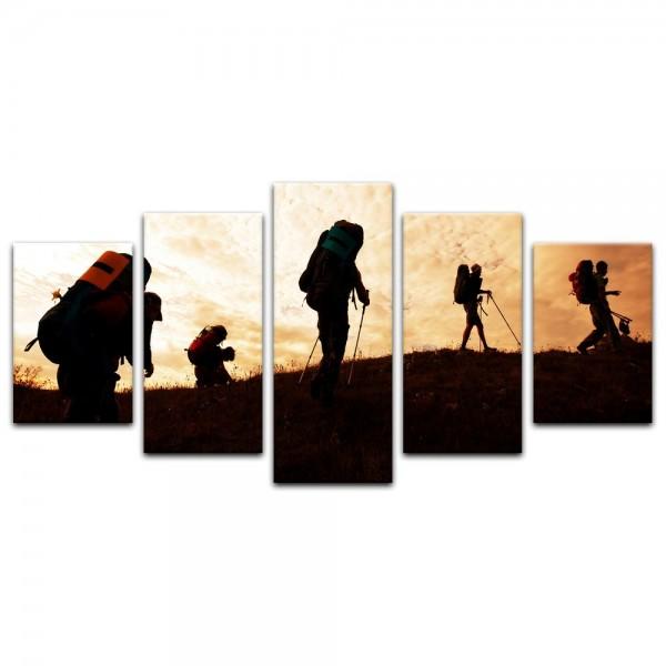 Leinwandbild - Wanderer im Sonnenuntergang