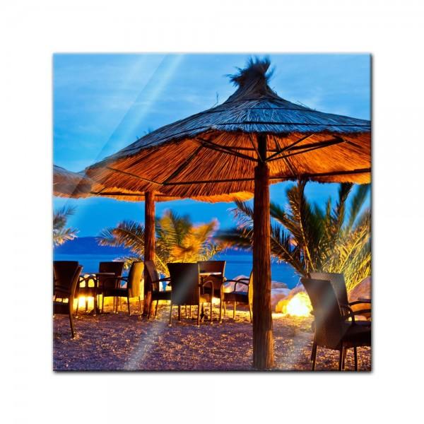 Glasbild - Pebble Beach Kroatien Sonnenschirm
