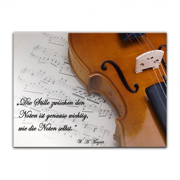 Leinwandbild mit Zitat - Die Stille zwischen den Noten ist genauso wichtig, wie die Noten selbst. (W