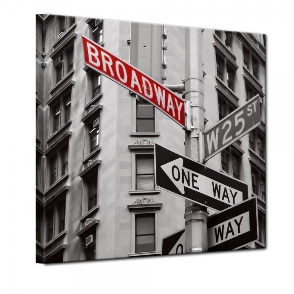 SALE Leinwandbild - Broadway Straßenschild - 80x80 cm