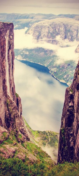 Türtapete selbstklebend Lysefjord - Norwegen Vintage 90 x 200 cm Felsen Stein Skandinavien Berg See
