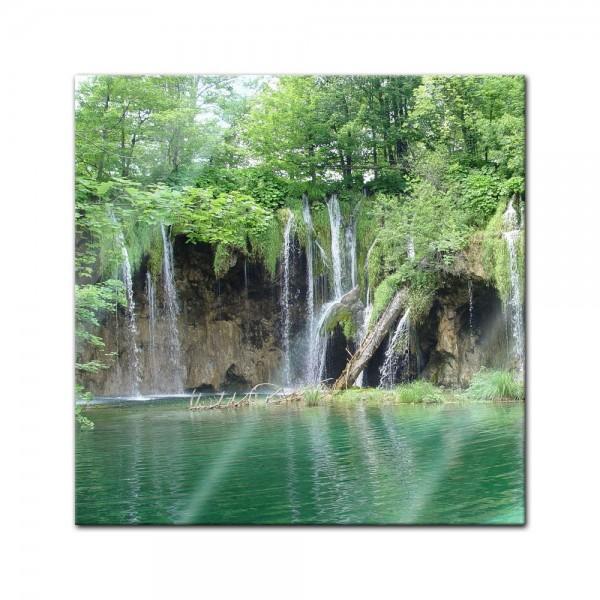 Glasbild - Einsamer Wasserfall